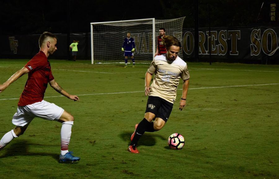 Men's soccer extends four-game winning streak