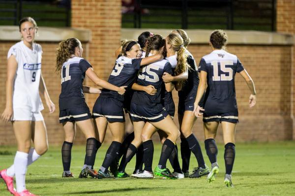 Women's soccer continues streak