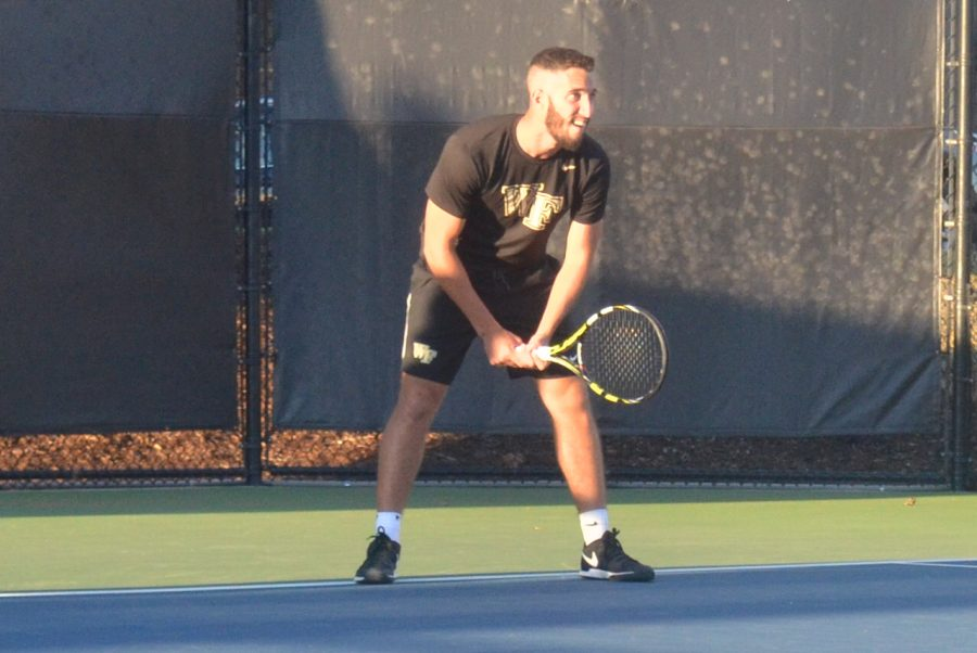 No. 1 men's tennis cruises past No. 3 Virginia