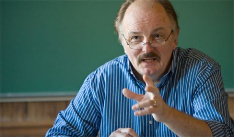 Wake Forest Political Science professor David Coates, the Worrell Professor of Anglo American Studies, teaches his seminar class in Tribble Hall on Thursday, April 17, 2008.