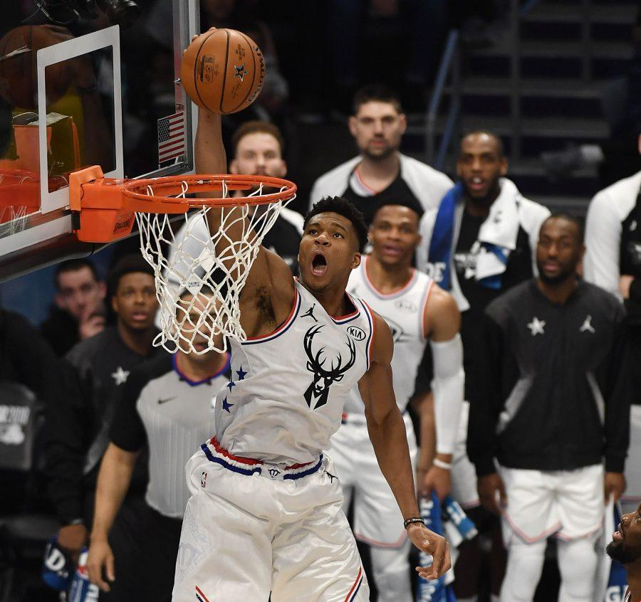 Team+Giannis%27+Giannis+Antetokounmpo%2C+of+the+Milwaukee+Bucks+goes+up+for+a+dunk+during+the+first+half+in+the+2019+NBA+All-Star+2019+game+on+Sunday%2C+February+17%2C+2019+at+Spectrum+Center+in+Charlotte%2C+N.C.+%28David+T.+Foster+III%2FCharlotte+Observer%2FTNS%29