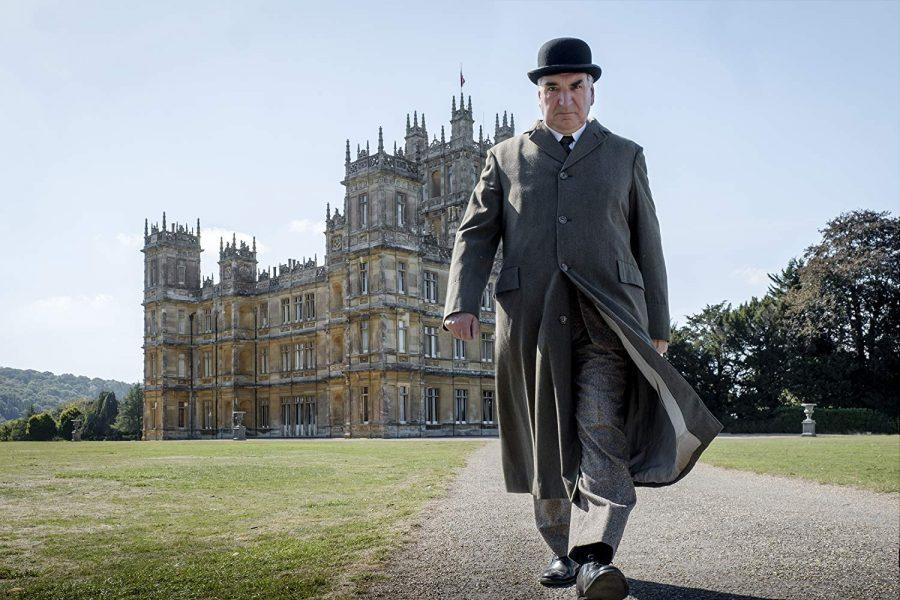 Downton Abbey Delights Dedicated Fans