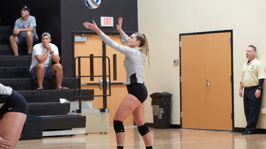 Volleyball Team Stumbles In ACC Play