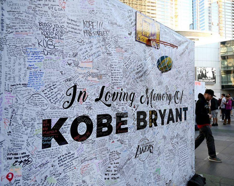 Fans+leave+messages+on+memory+boards+at+Staples+Center+in+Los+Angeles+to+remember+the+late+Kobe+Bryant+who+perished+in+a+helicopter+crash+on+Jan+26%2C+2020.+%5BJayne+Kamin-Oncea%2FUSA+TODAY+Sports%5D