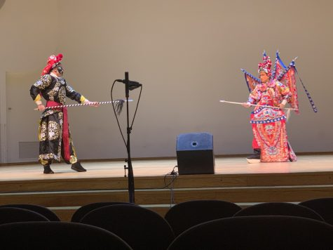 Beijing Opera Comes To The University