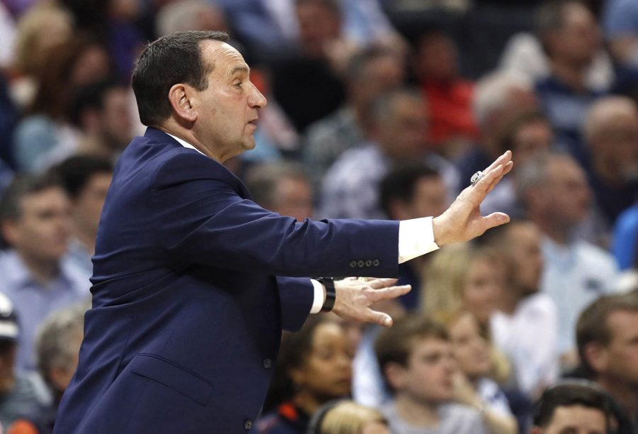 Duke head coach Mike Krzyzewski instructs his players during action against Syracuse in the quarterfinals of the ACC Tournament at the Specturm Center in Charlotte, N.C., on March 14, 2019. (Ethan Hyman/Raleigh News & Observer/TNS)