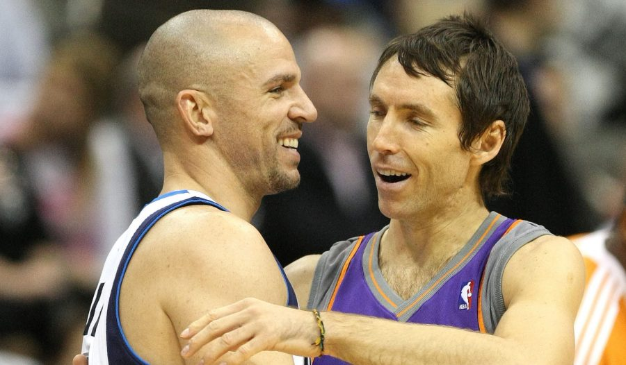 Dallas Mavericks' Jason Kidd (left) and Phoenix Suns' Steve Nash (right) greet each other before tip-off on Thursday, Dec. 4, 2008 at the American Airlines Center in Dallas, Texas. (Ron Jenkins/Fort Worth Star-Telegram/TNS)
