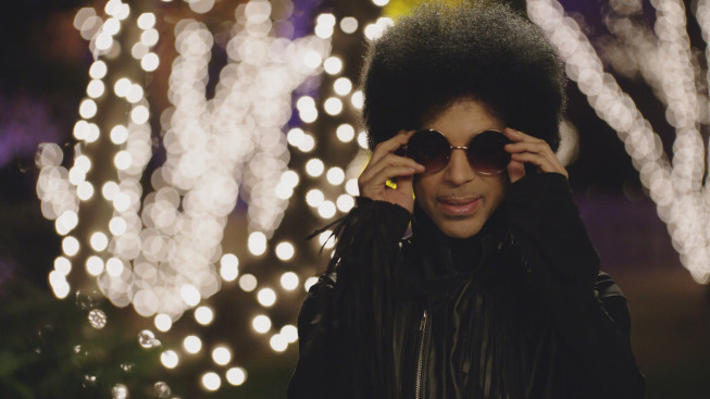 "NEW GIRL:  Music royalty Prince makes a special guest appearance in the ""Party Time"" episode of NEW GIRL airing Sunday, Feb. 2 (approx. 10:30-11:00 PM ET/7:30-8:00 PM PT), immediately after FOX Sports' coverage of SUPER BOWL XLVIII.  ©2014 Fox Broadcasting Co.  Cr:  FOX"