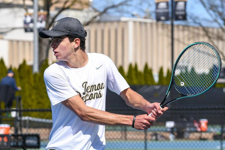 Tennis beats three opponents over the weekend