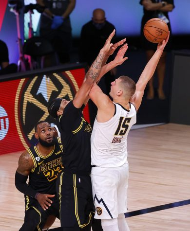 Jokic puts up a shot during the 2020 Western Conference Finals.